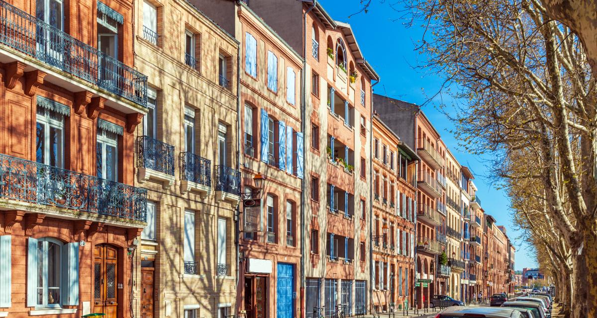 immobilier neuf toulouse - des façades typiques du centre-ville de Toulouse