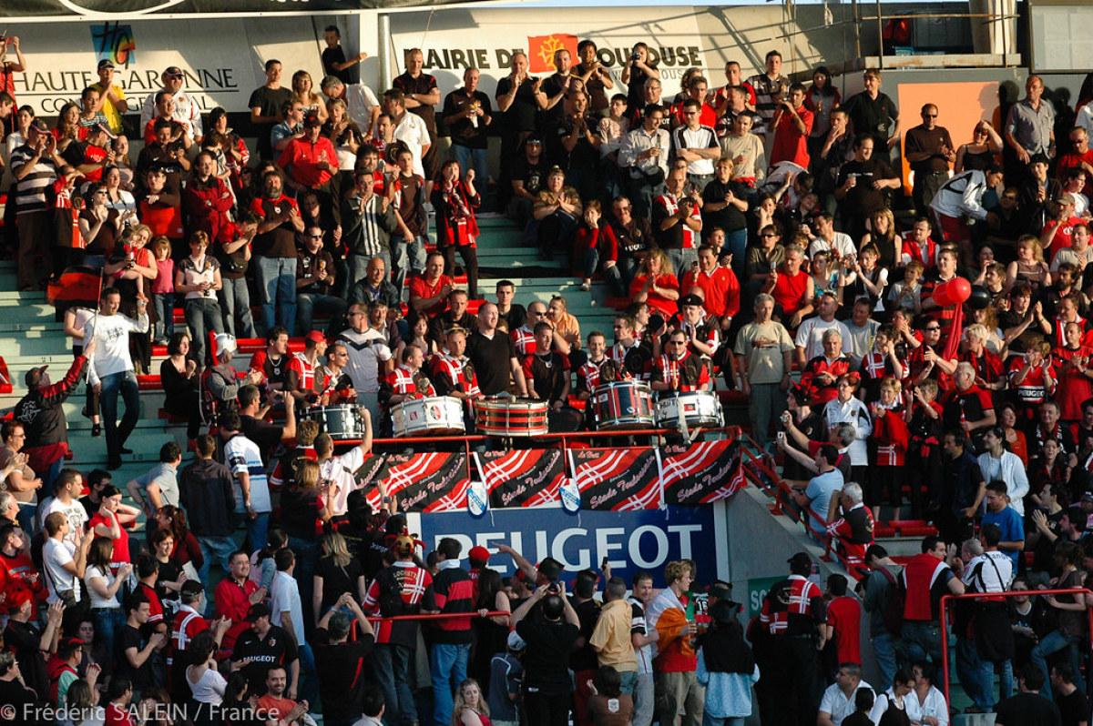 Quel quartier habiter à Toulouse – Les tribunes du stade Ernest Wallon un jour de match du Stade Toulousain