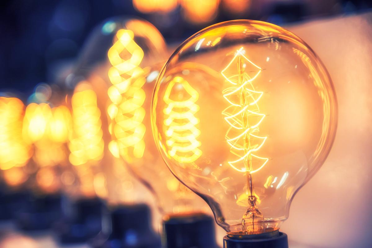 Logement étudiant à Toulouse – Ampoules vintages allumées